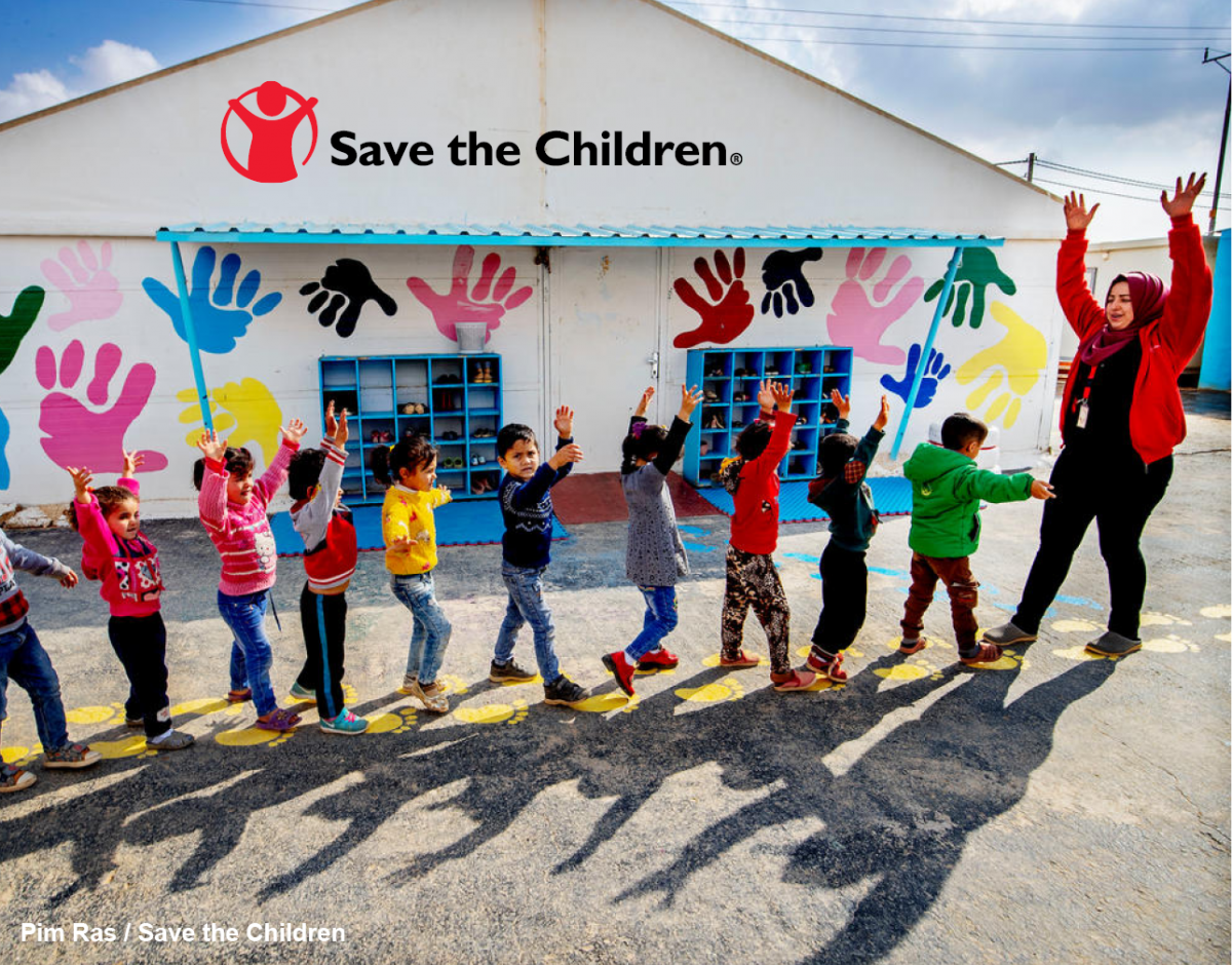 children in a line - Save the Children