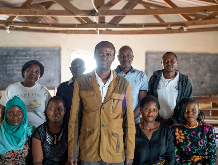 Pastor in Zambia mentors communities on HIV/AIDS.